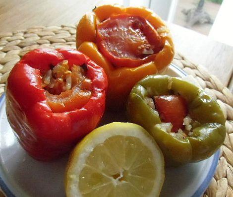 Vegetarisch gefüllte Paprika – Zeytinyağlı Biber dolması